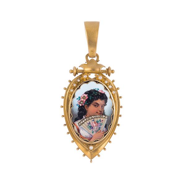 Colgante portafoto de oro con figura de dama esmaltada