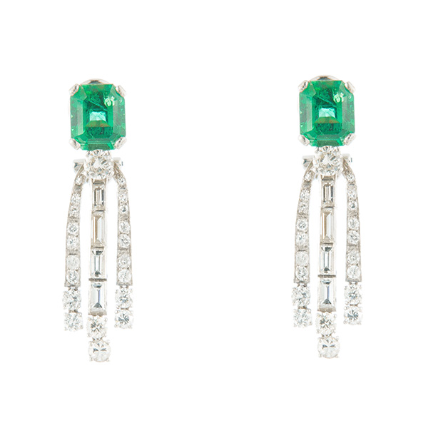 Pendientes Art Decó de oro blanco, esmeraldas y diamantes talla
