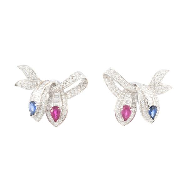 Pendientes de oro blanco con diamantes, rubí y zafiros